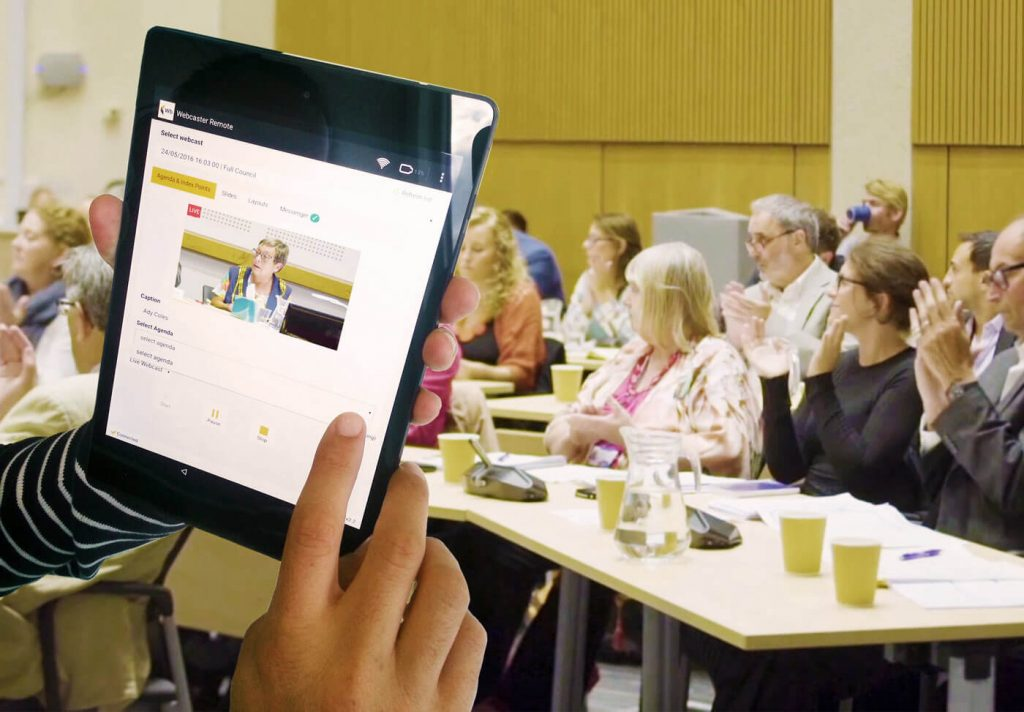 Connect FX800 tablet control on a meeting
